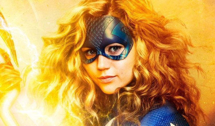 Novo teaser de �Stargirl� revela que cajado cósmico recebeu uma atualização  – Geeks In Action- Sua fonte de recomendações e entretenimento!